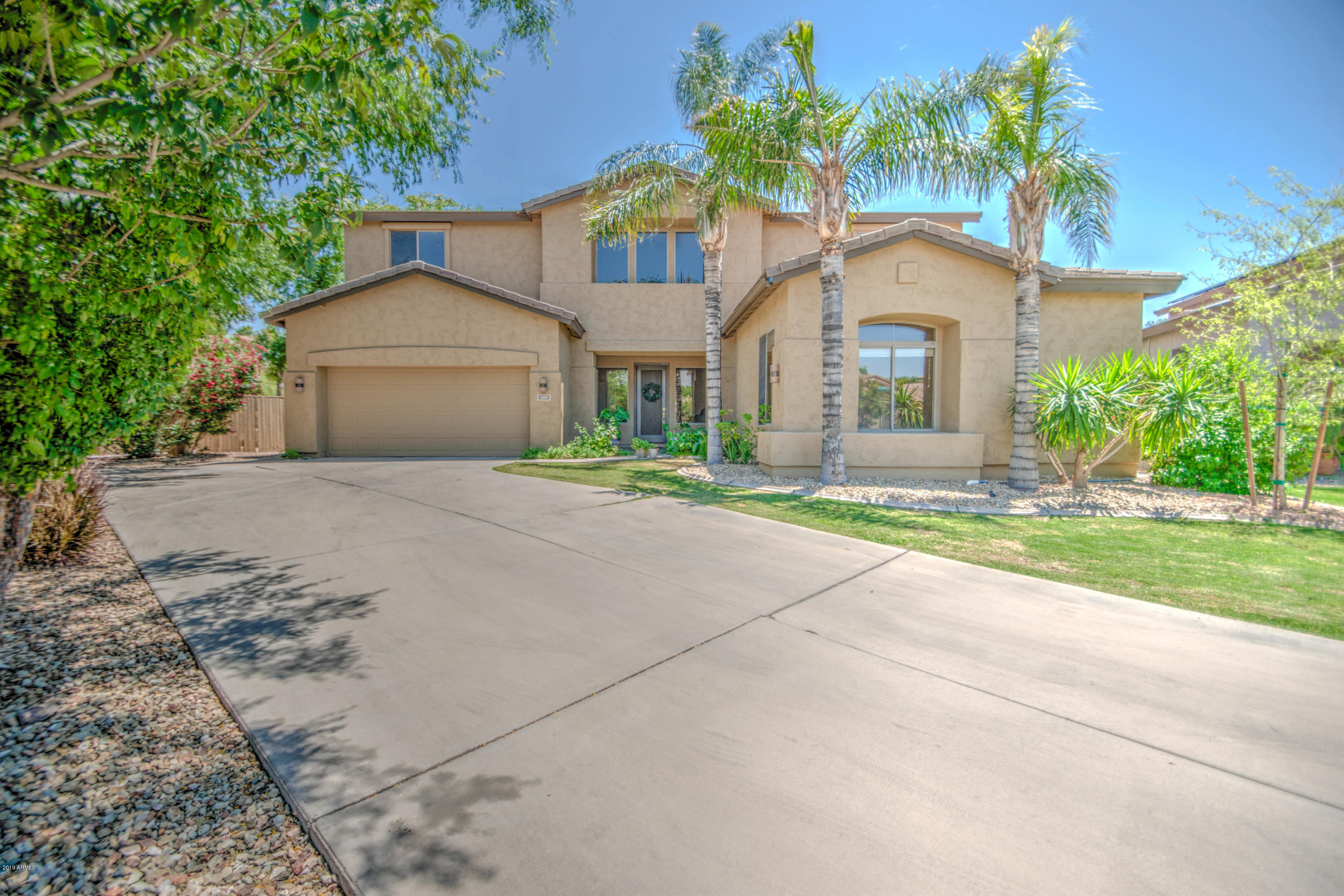 Photo of 117 N DATE PALM Drive, Gilbert, AZ 85234