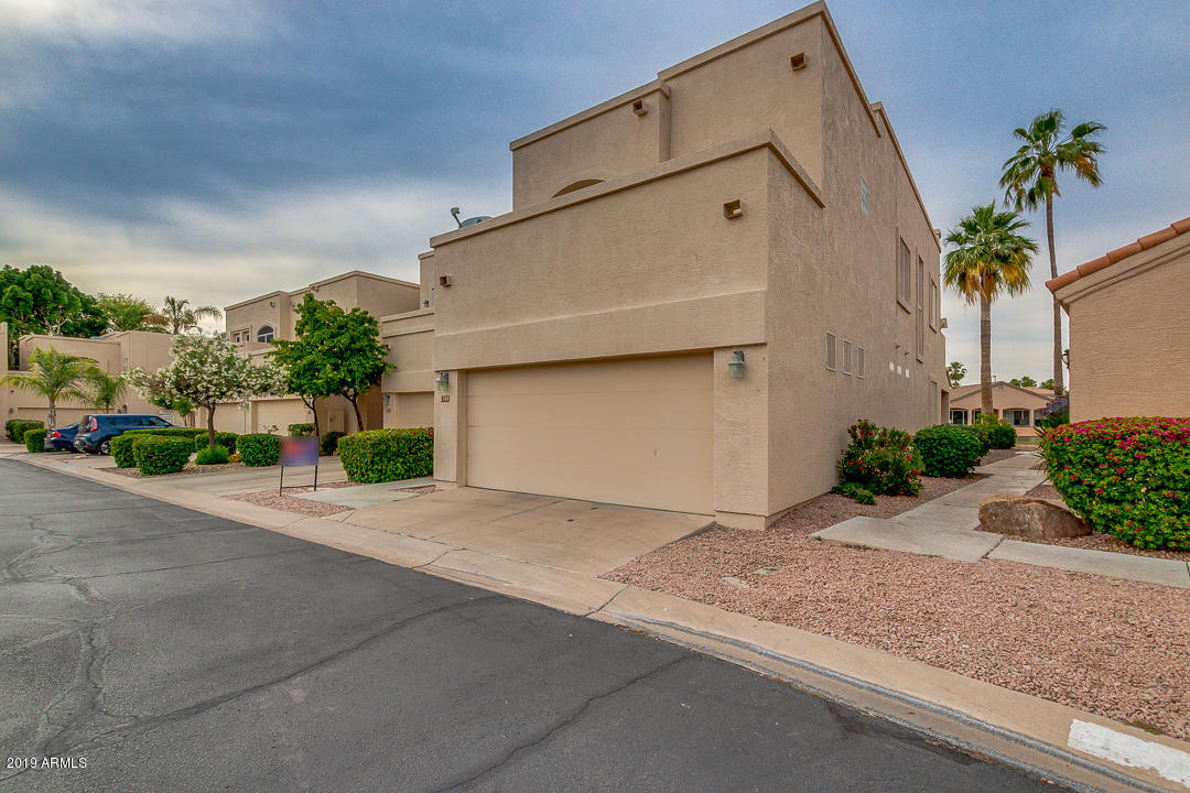 Photo of 1322 W CORAL REEF Drive, Gilbert, AZ 85233
