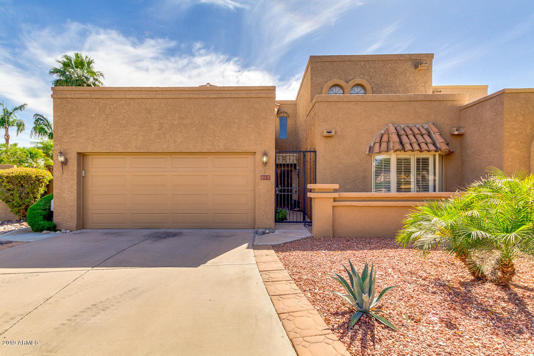 1121 E TAPATIO Drive, one of homes for sale in Phoenix North