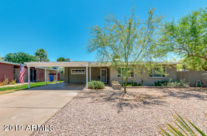 Classic mid-century Phoenix block home on a cul-de-sac lot in wonderful central Phoenix neighborhood.