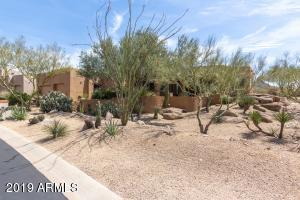 PINNACLE PEAK VIEWS, OUTDOOR LIVING, 4 BDRMS, 3 FULL BATHS, POOL, SPA, FIREPLACE, FIREPIT, PUTTING GREEN.