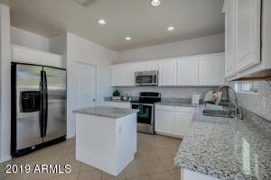 42365 W SOMERSET Drive, Maricopa, AZ 85138