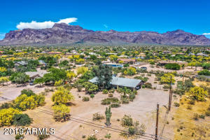 2051 S MOUNTAIN VIEW Road, Apache Junction, AZ 85119