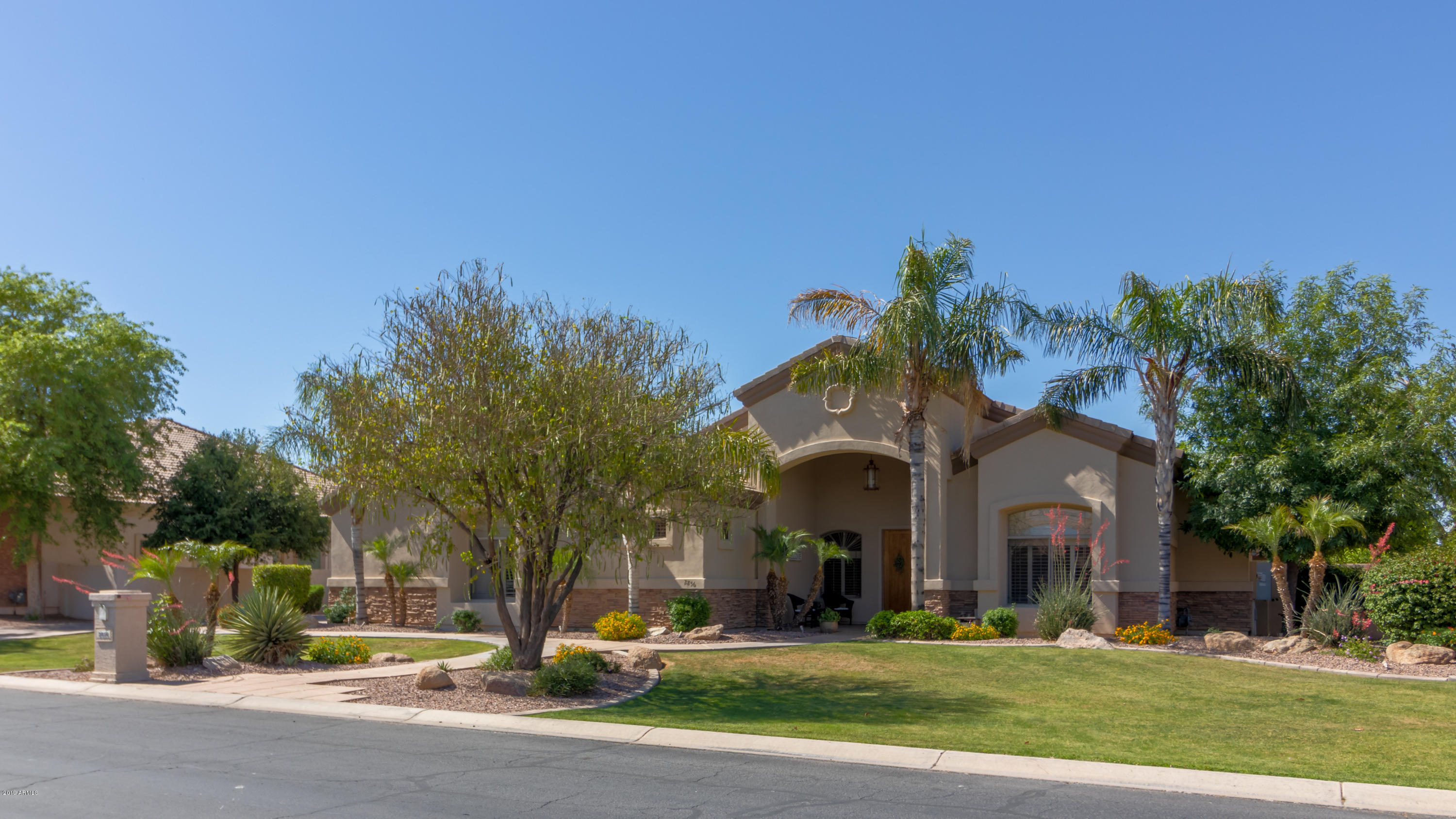 2856 E WATERMAN Court, Gilbert AZ 85297