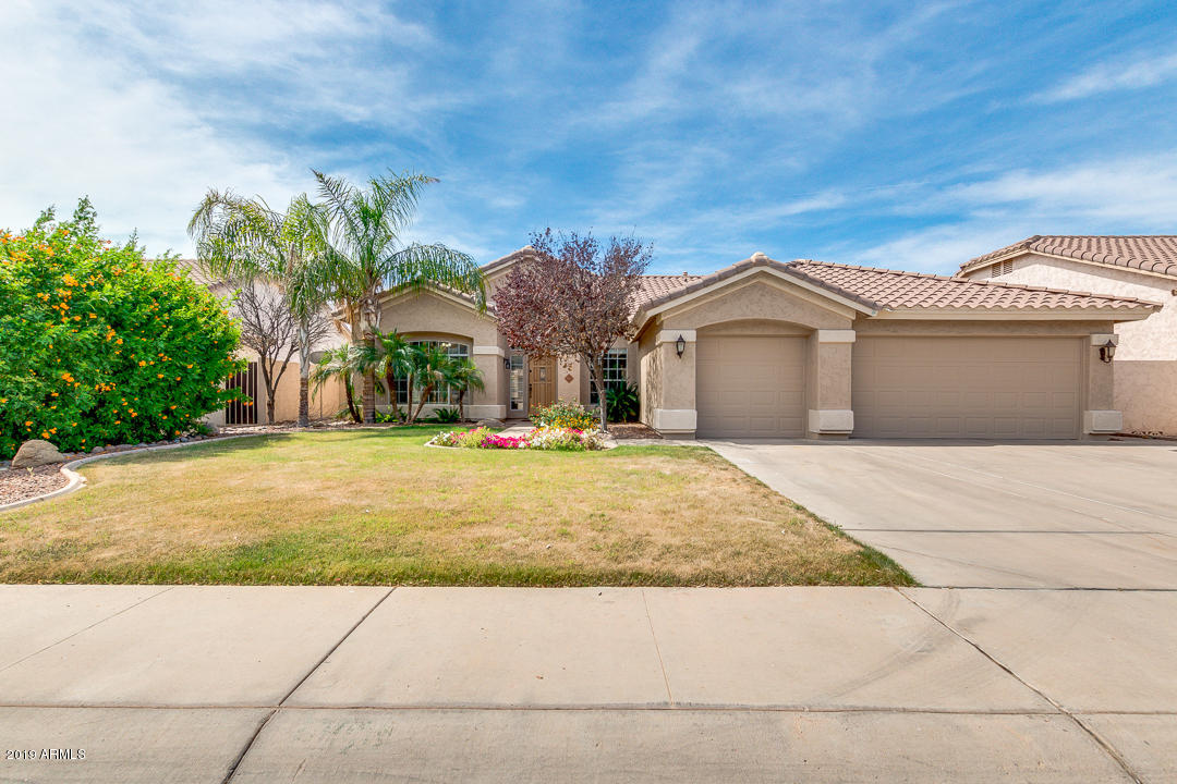 Photo of 605 W STANFORD Avenue, Gilbert, AZ 85233