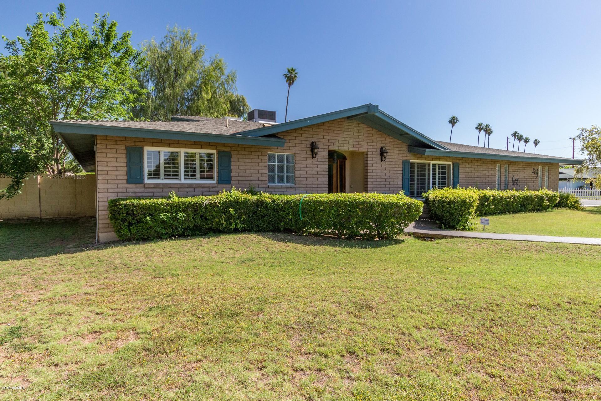 Photo of 1302 W LINGER Lane, Phoenix, AZ 85021