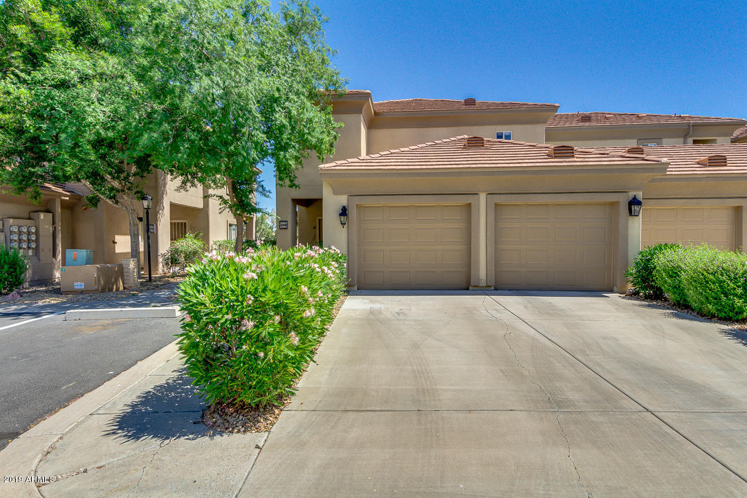 Photo of 7401 W ARROWHEAD CLUBHOUSE Drive #2084, Glendale, AZ 85308