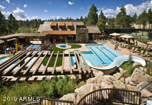 3891 S Clubhouse Circle, 323