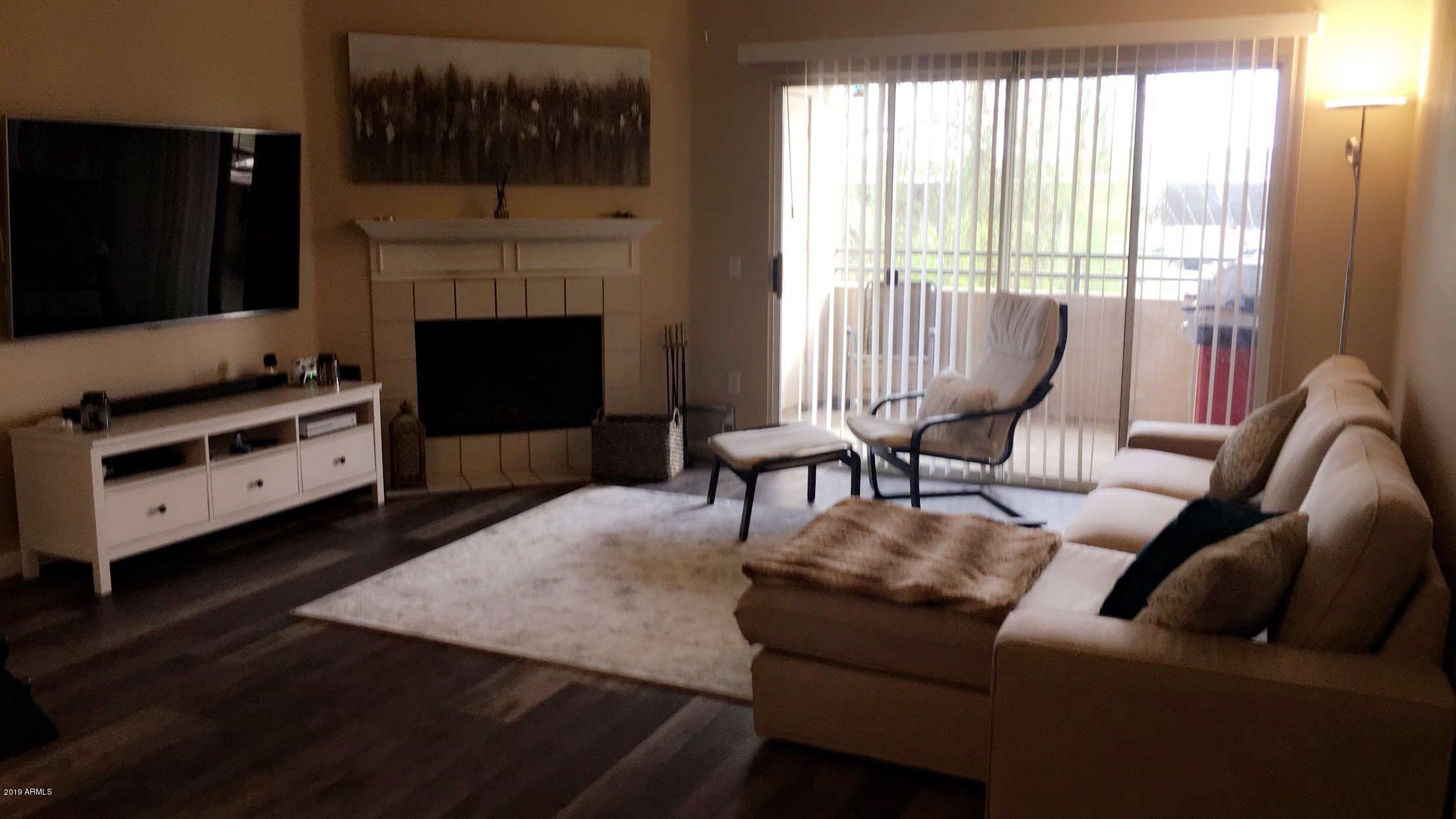 Photo of 16013 S DESERT FOOTHILLS Parkway #2033, Phoenix, AZ 85048