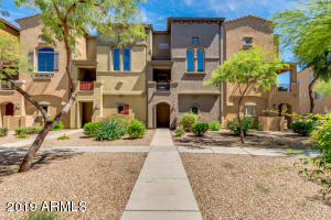 Move in ready 1100 sq ft, 2bd, 2.5ba, 2 car garage townhouse