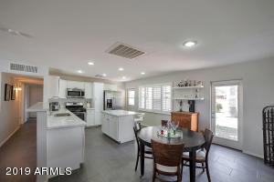8143 E COLUMBUS Avenue, Scottsdale, AZ 85251