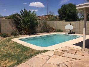 1962 E VILLA THERESA Drive, Phoenix, AZ 85022