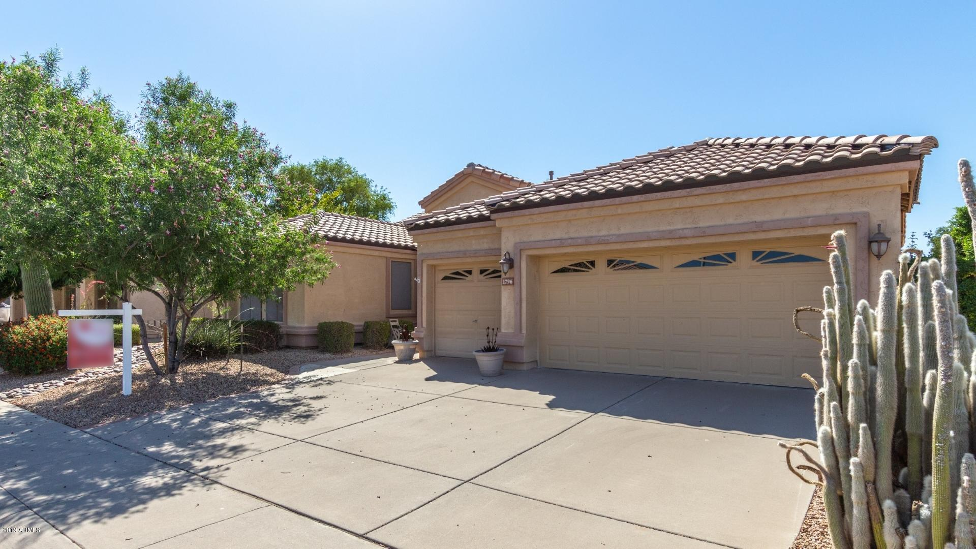 Photo of 1796 W CANARY Way, Chandler, AZ 85286