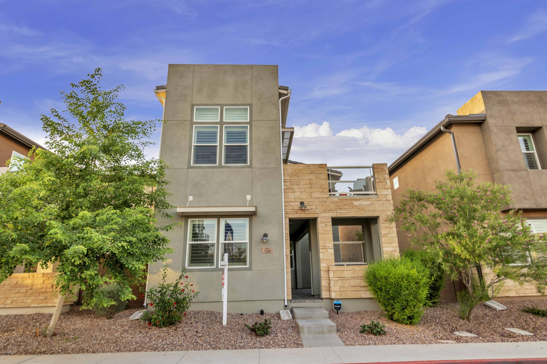 Photo of 7126 W KENT Drive, Chandler, AZ 85226