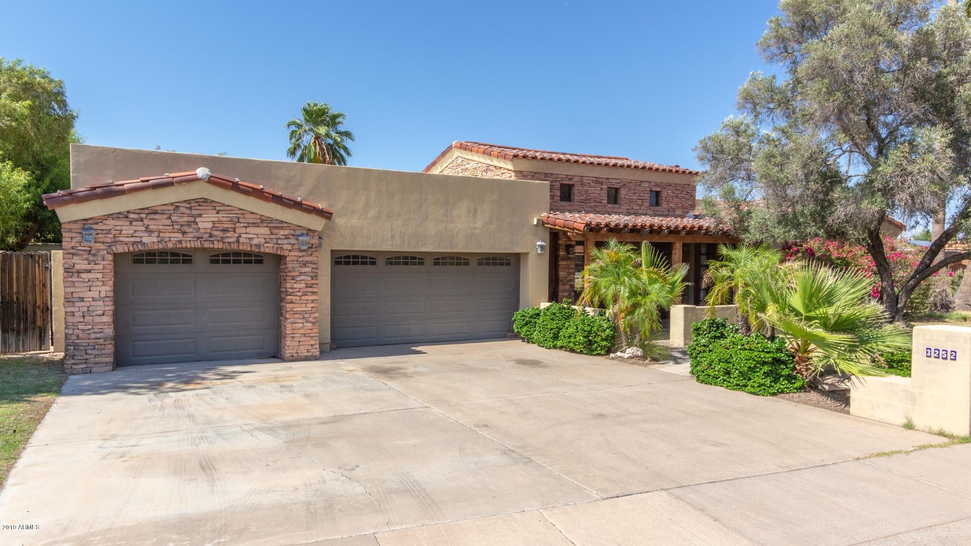 Photo of 3252 E VOGEL Avenue, Phoenix, AZ 85028