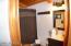 Main Cabin - Upper Level Bathroom - view 2