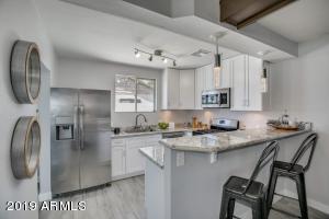 1356 E WELDON Avenue, Phoenix, AZ 85014