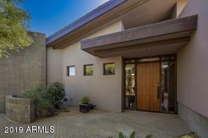 10711 E FERNWOOD Lane, Scottsdale, AZ 85262