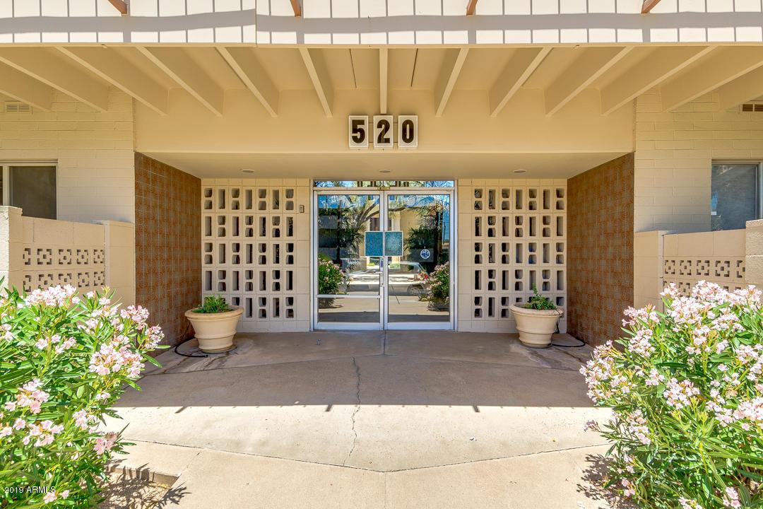 Photo of 520 W CLARENDON Avenue #E17, Phoenix, AZ 85013