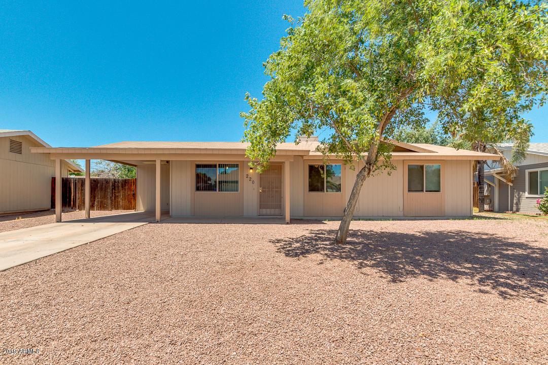 Photo of 220 E LAUREL Avenue, Gilbert, AZ 85296
