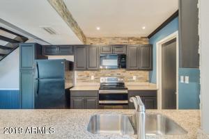 Upgraded kitchen with designer upgrades!