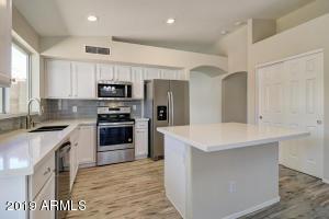 6262 W BLACKHAWK Drive, Glendale, AZ 85308
