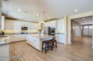 2912 E VIRGINIA Street, Mesa, AZ 85213