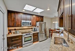 10888 W THUNDERBIRD Boulevard, Sun City, AZ 85351