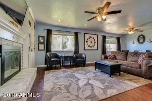 1360 E HILTON Avenue, Mesa, AZ 85204