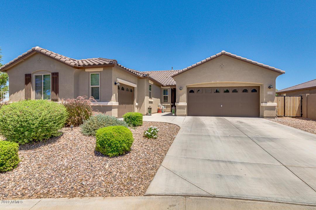 Photo of 22220 E DESERT HILLS Court, Queen Creek, AZ 85142