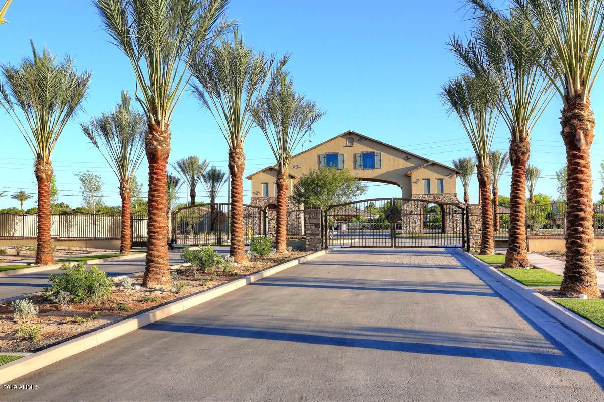 Photo of 3246 E KNOLL Circle, Mesa, AZ 85213
