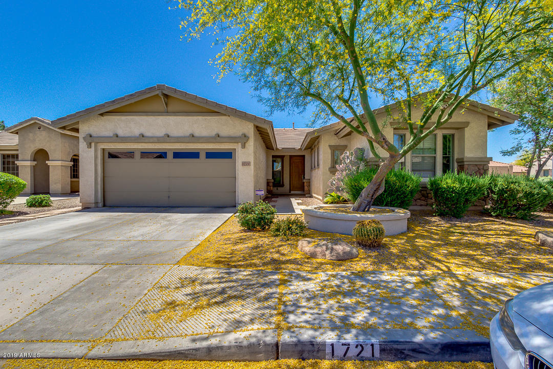 Photo of 1721 W KINGBIRD Drive, Chandler, AZ 85286