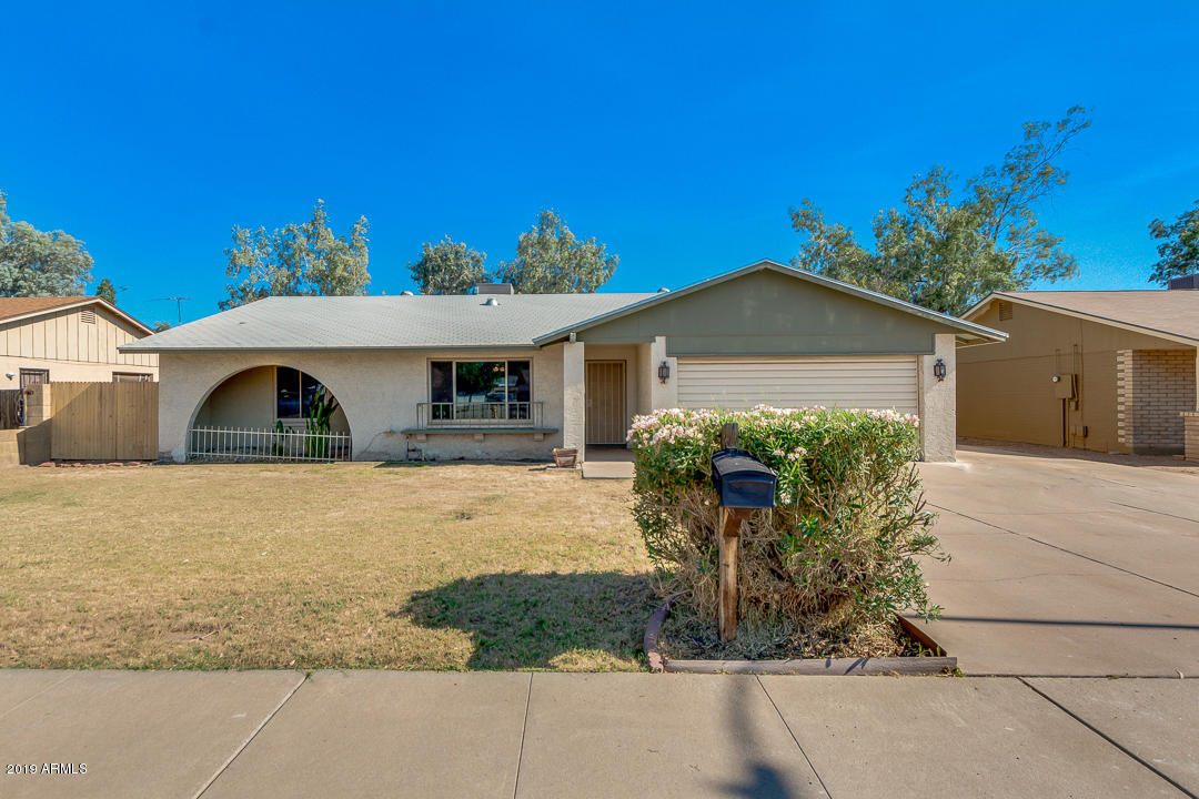 Photo of 2815 W REDFIELD Road, Phoenix, AZ 85053