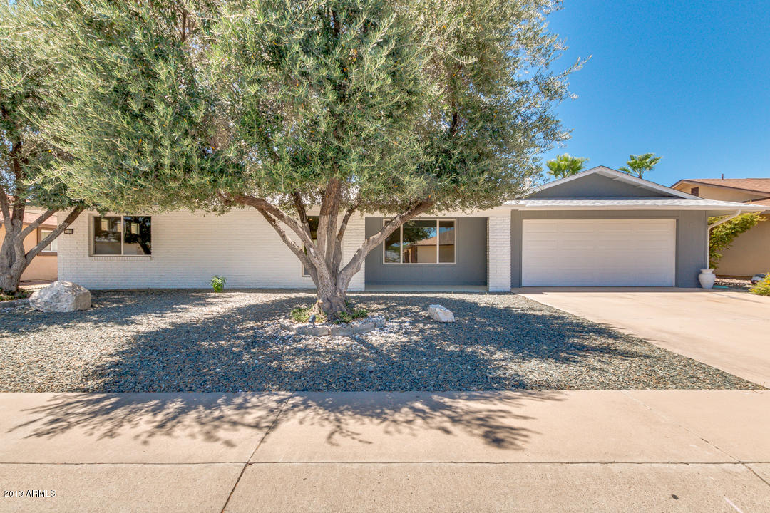 Photo of 9409 W GARNETTE Drive, Sun City, AZ 85373