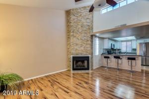2020 W UNION HILLS Drive, 209, Phoenix, AZ 85027