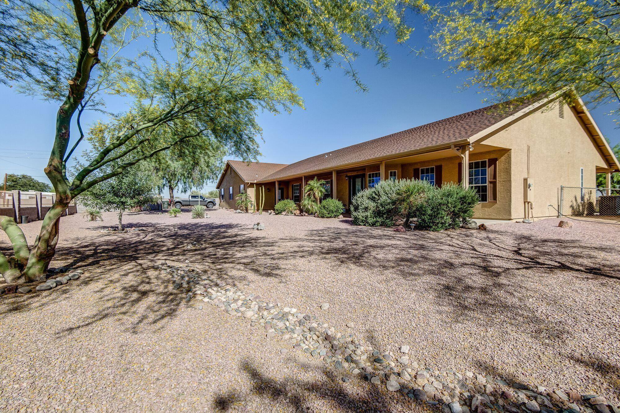 Photo of 20305 W PEAK VIEW Road, Wittmann, AZ 85361