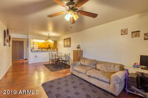 2201 W UNION HILLS Drive, 111, Phoenix, AZ 85027
