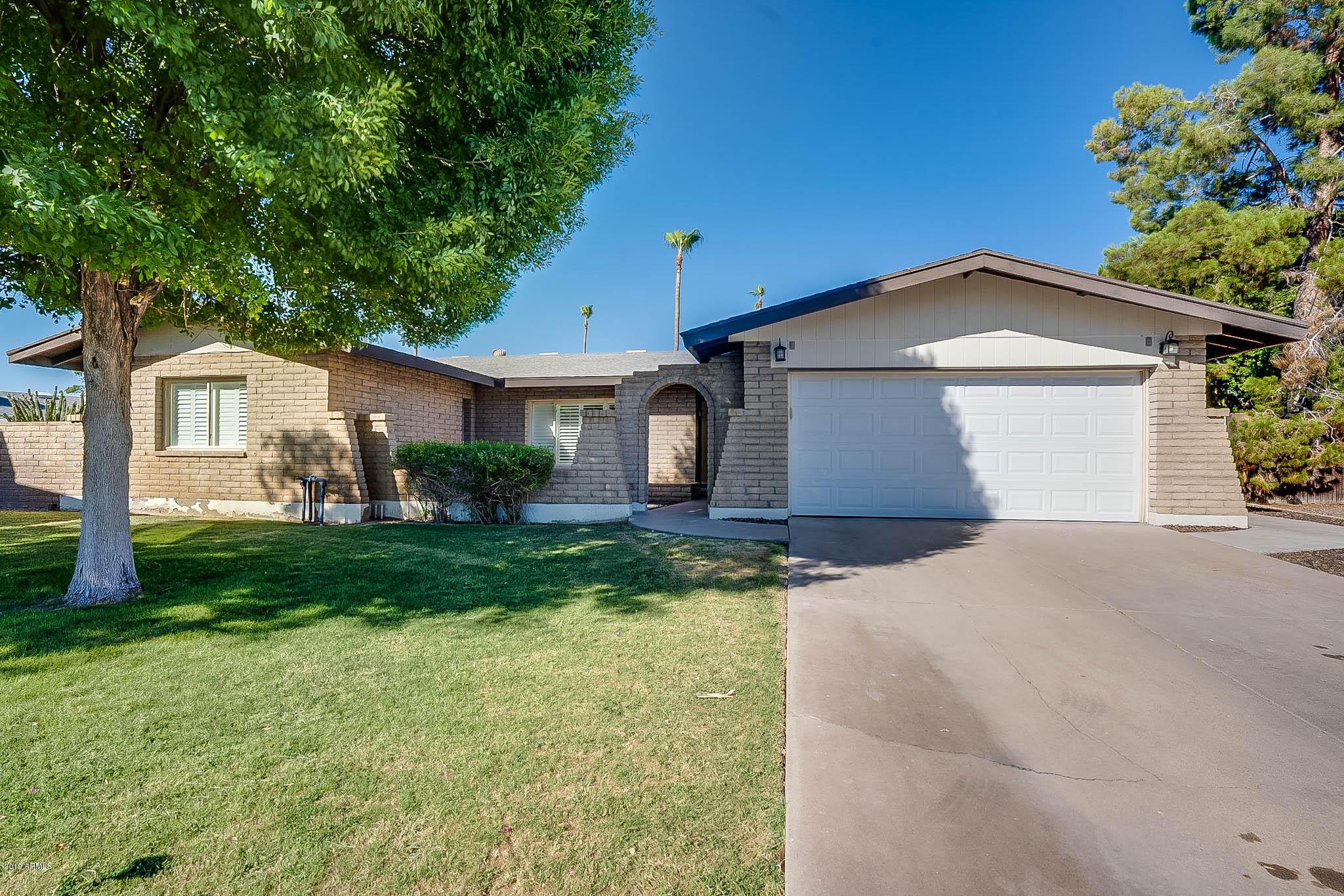 Photo of 1420 E ELLIS Drive, Tempe, AZ 85282