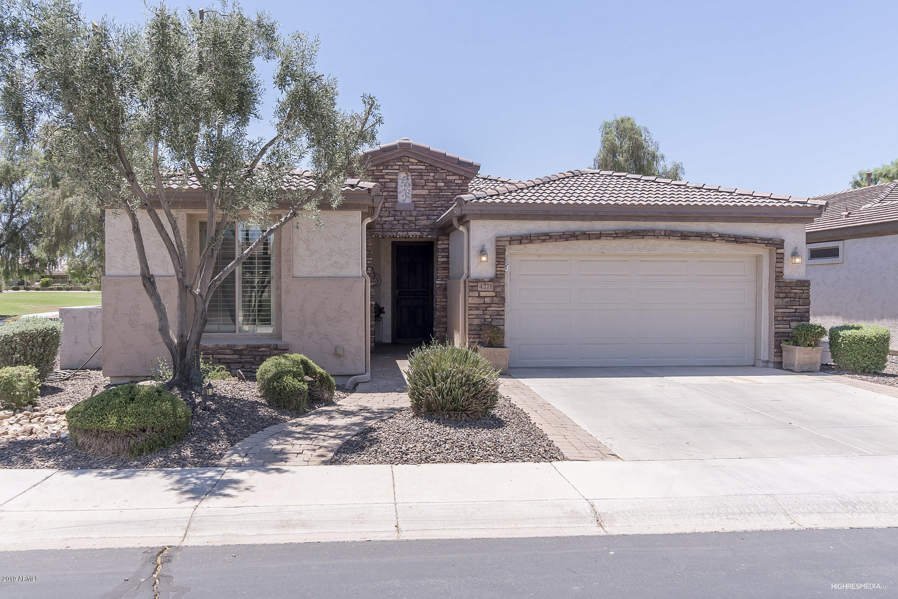 Photo of 4271 E BLUE SPRUCE Lane, Gilbert, AZ 85298