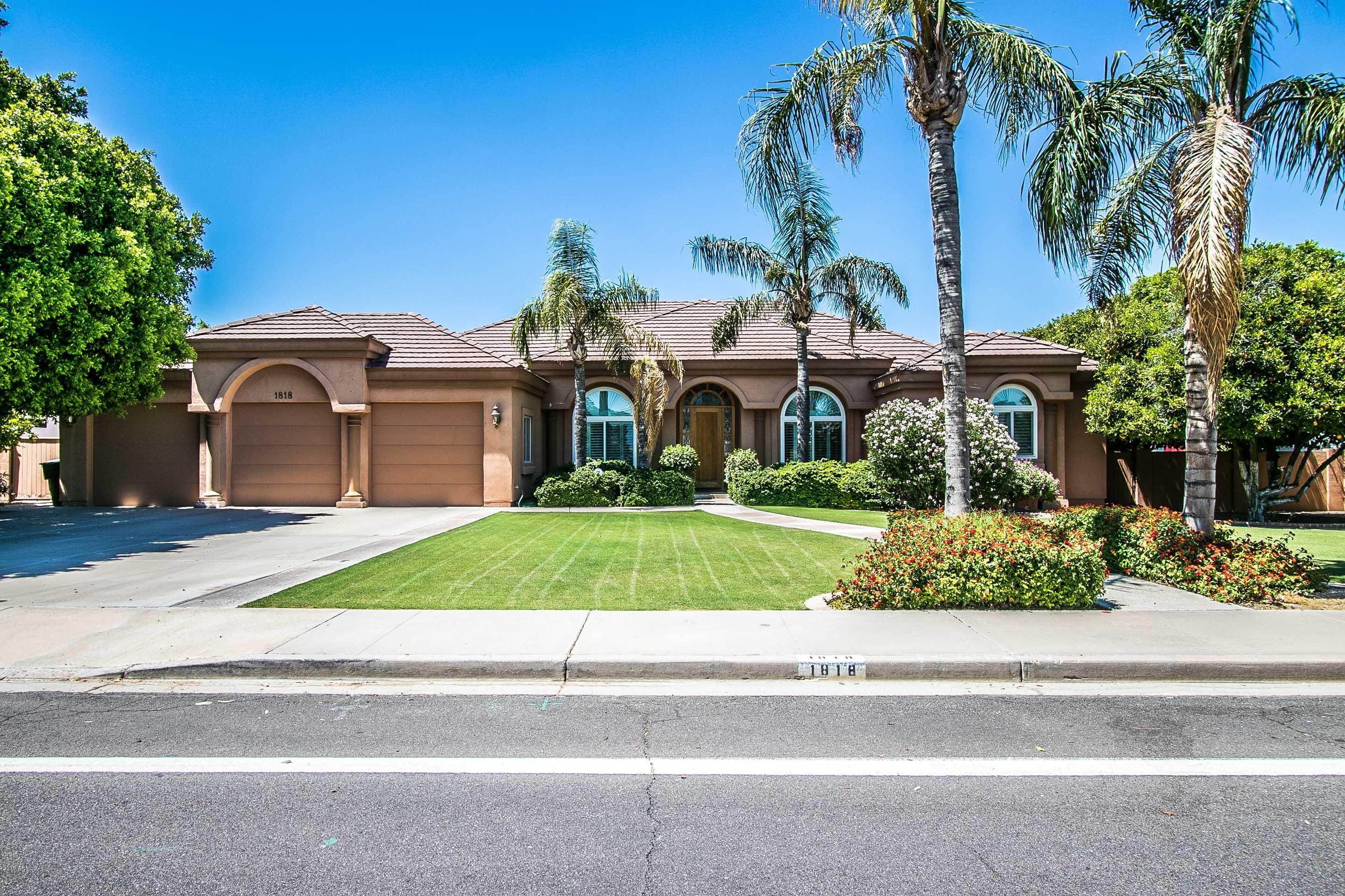 Photo of 1818 E HERMOSA VISTA Drive, Mesa, AZ 85203