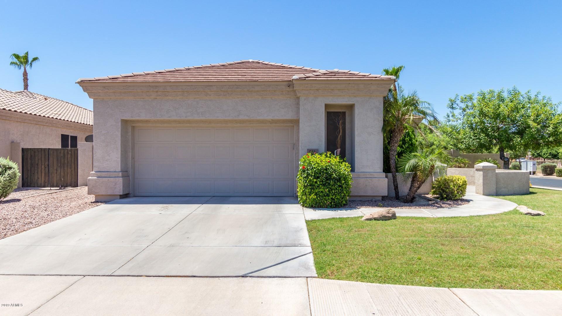 Photo of 931 W ORIOLE Way, Chandler, AZ 85286