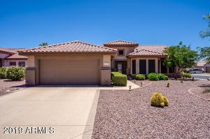 Welcome Home to Sun City Grand! 2 Bedroom + Den, 2 Bathrooms, 2 Car Garage