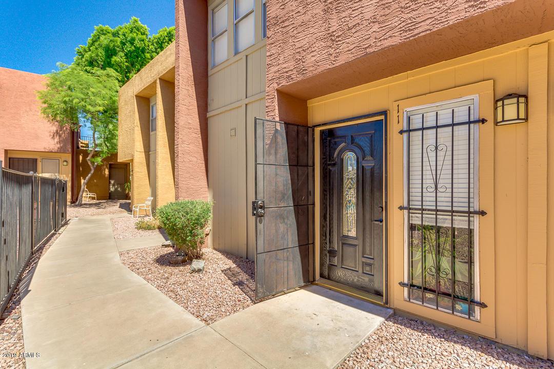 Photo of 604 E WEBER Drive #11, Tempe, AZ 85281