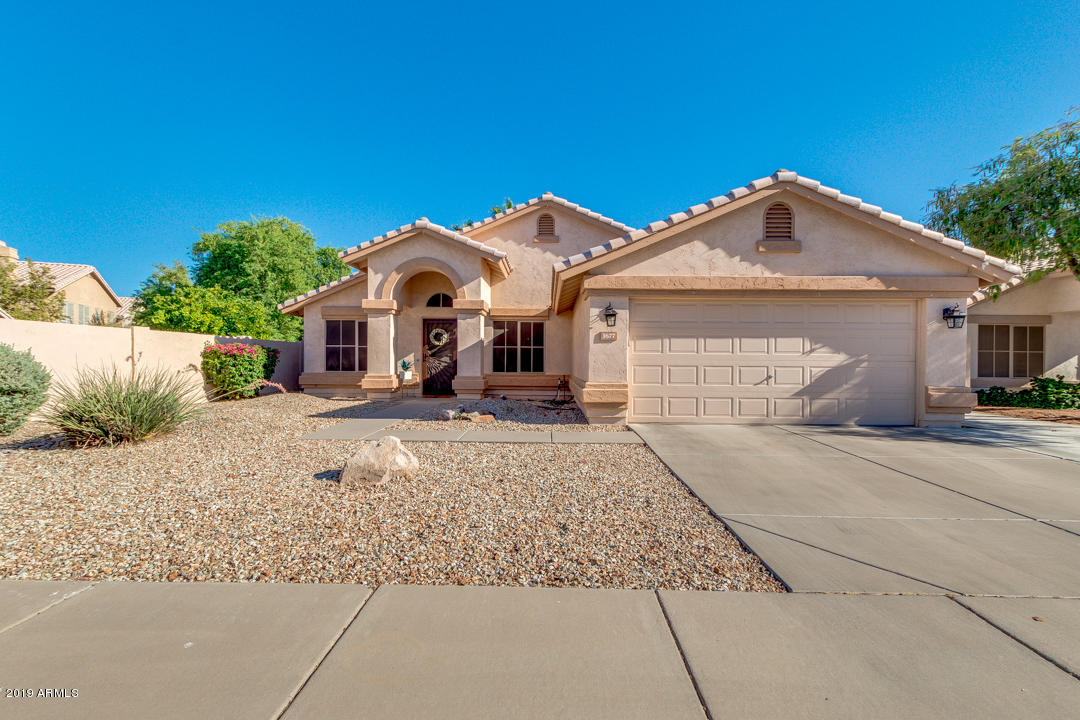 Photo of 1677 W BLUEBIRD Drive, Chandler, AZ 85286