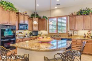 7402 N 83RD Drive, Glendale, AZ 85305