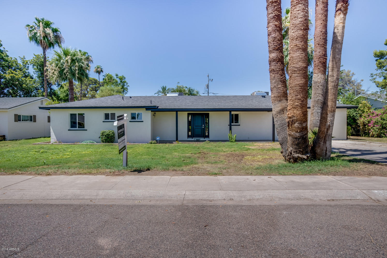 Photo of 1330 E VERMONT Avenue, Phoenix, AZ 85014