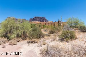 2443 N SIXSHOOTER Road, Apache Junction, AZ 85119