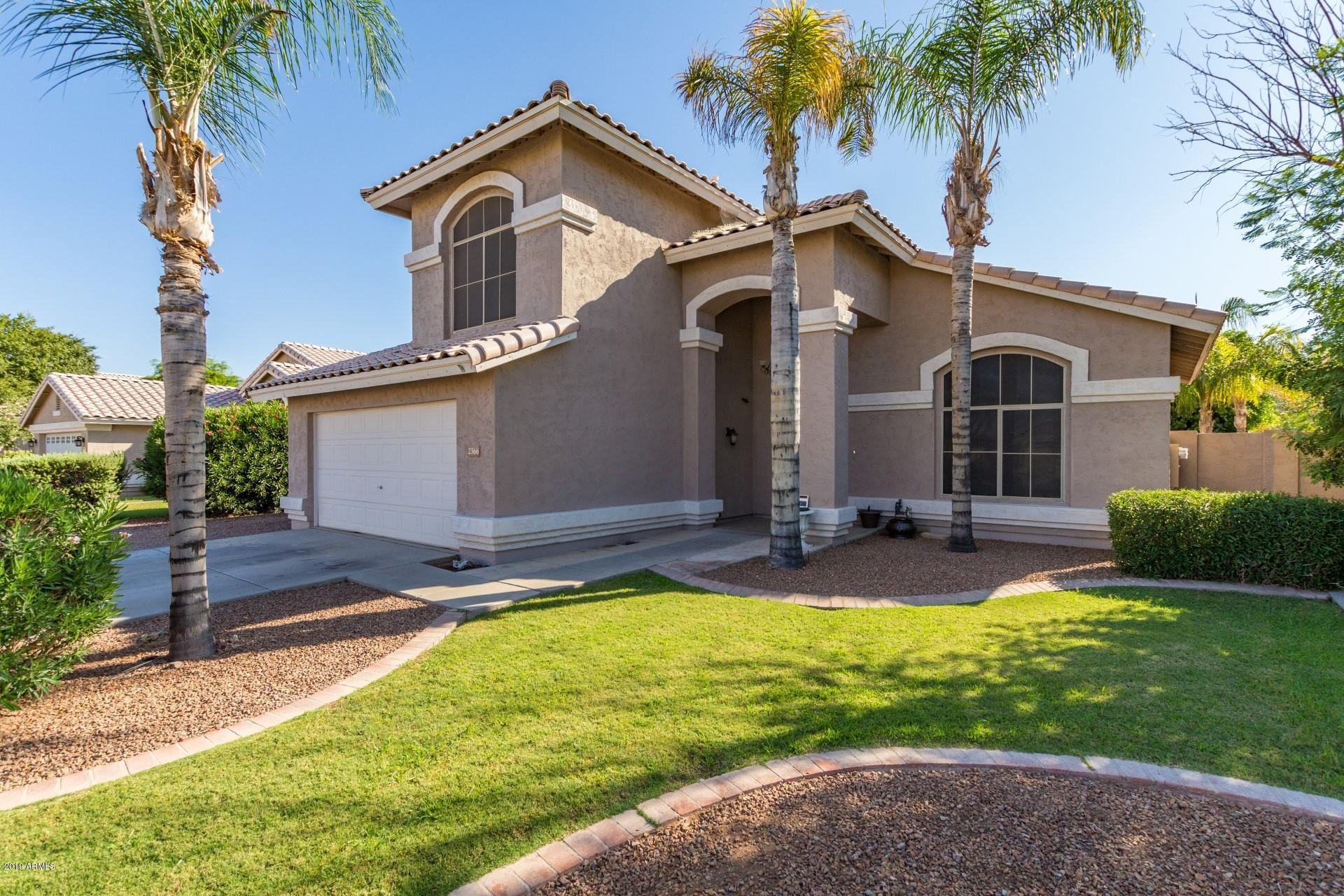 Photo of 2366 S LONGMORE Street, Chandler, AZ 85286
