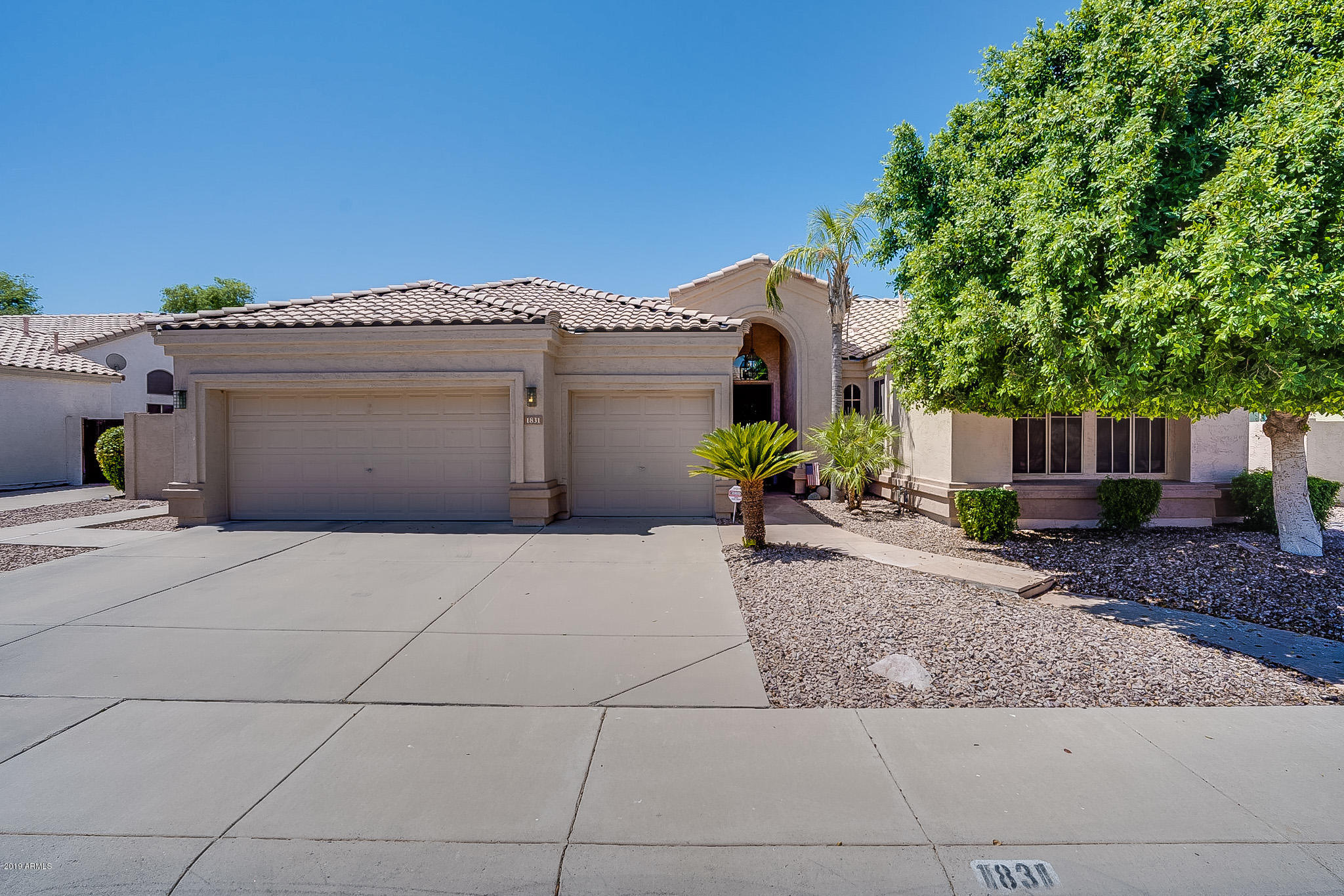 Photo of 1831 W ORIOLE Way, Chandler, AZ 85286