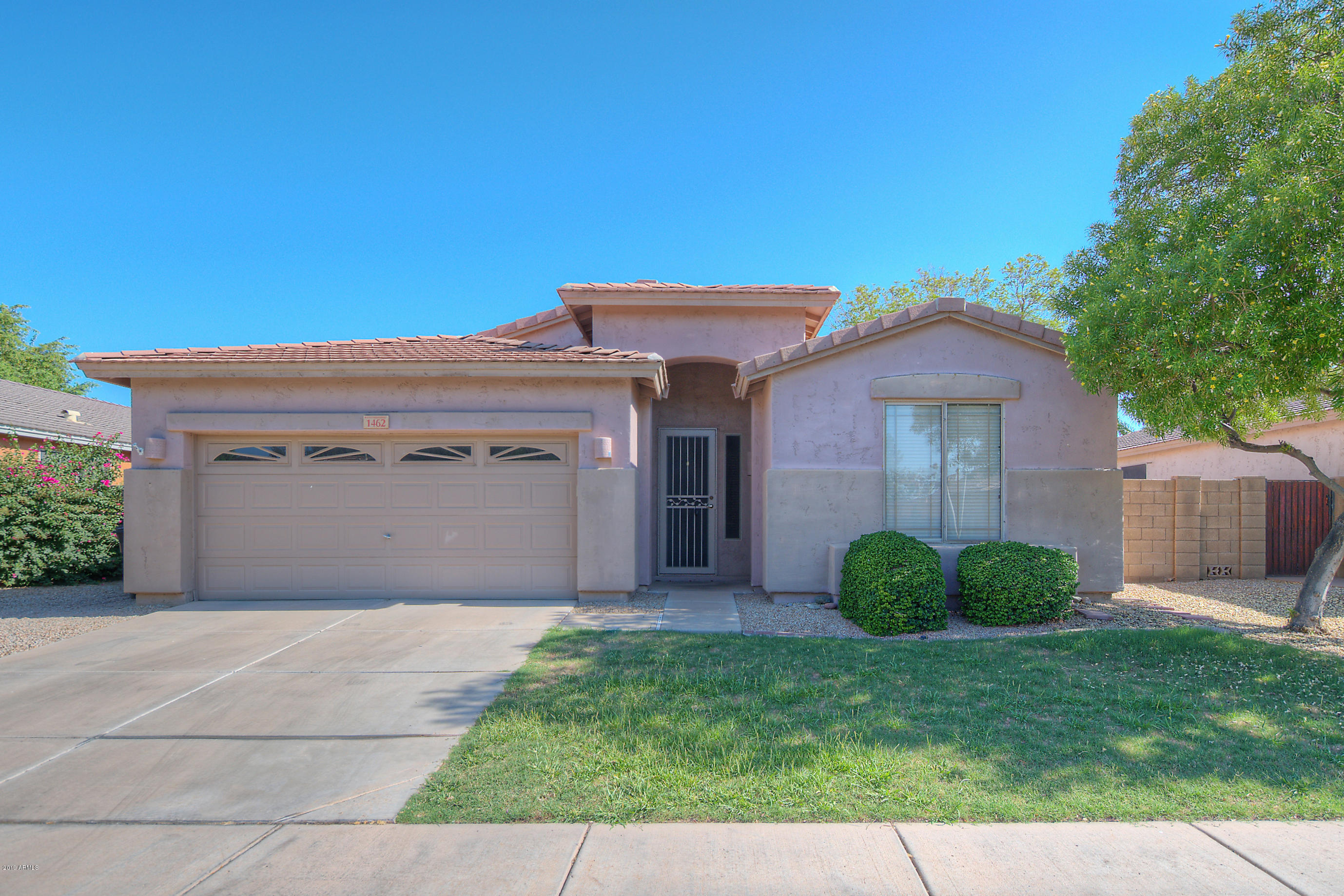 Photo of 1462 W BLUEJAY Drive, Chandler, AZ 85286